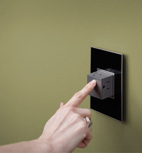 Pop-Out™ Outlet, 15A, 1-Gang, Magnesium