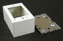 500/700 Single-Gang Extra Deep Switch and Receptacle Box Fitting