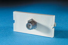 SERIES II, 1 F CONNECTOR F/F, 75 OHM, 180 DEGREE, (1 GHZ PERFORMANCE), FOG WHITE