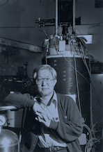 Ho Jung Paik, University of Maryland professor emeritus of physics, in his lab in 1992. Photo: University of Maryland Archives. (Click image to download hi-res version.)