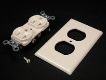 3000 ColorMatch Ivory Duplex Receptacle and Plate Fitting