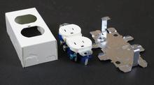 500/700 15A, 125V Duplex Grounding Receptacle (NEMA 5-15R) and Box Fitting
