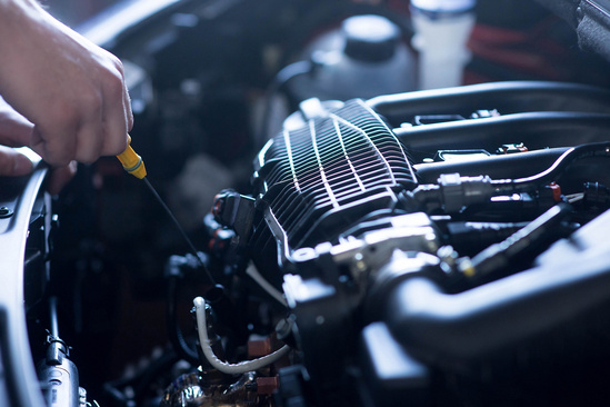 Buying Oil Can Be Confusing Do You Purchase A Traditional Oil Change Or A Synthetic Oil Change What Exactly Is The Difference We Here At Jim Schmidt Ford