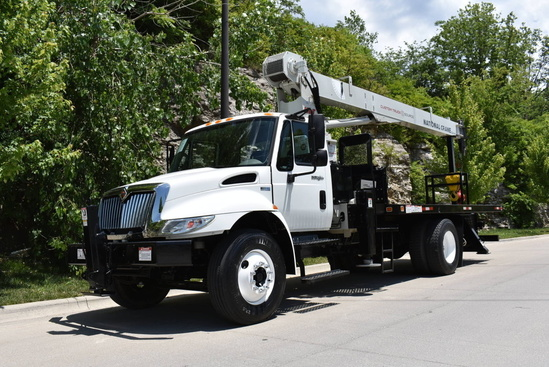 2011 International 4300 4x2 National NBT1560 Boom Truck