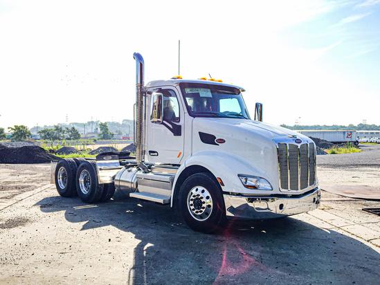 2020 Peterbilt 579 6x4 Tractor