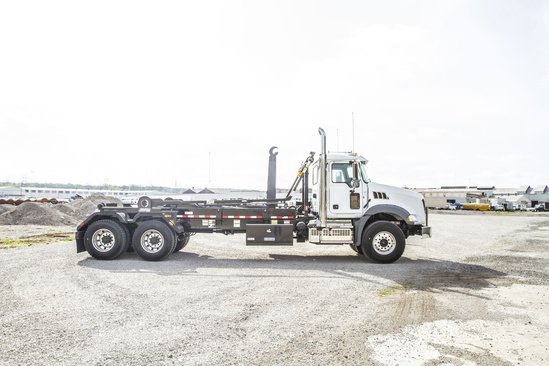Galbreath U5-DPHK-176 Hook Lift on 2019 Mack GU813/64BR 6x4