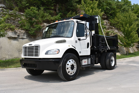 2015 Freightliner M2106 4x2 Load King 10 FT Dump Truck