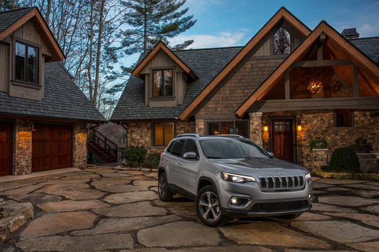 Take on winter driving with confidence with the new 2019 Jeep