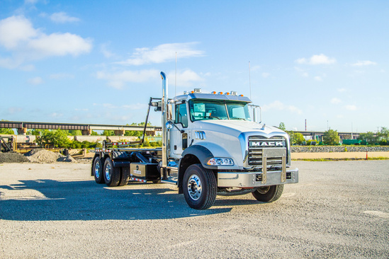 Galbreath U5-OR-174 Roll-Off on 2020 Mack GU813/64BR 6x4