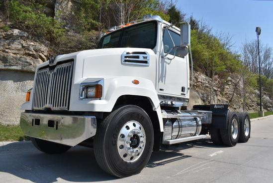 2013 Western Star 4700SF 6x4 Tractor