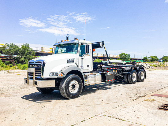 Galbreath U5-OR-174 Roll Off on 2020 Mack GU813/64BR 6x4