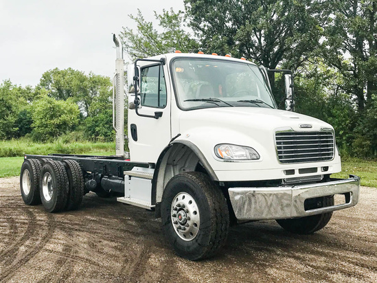 2022 Freightliner M2106 6x4 Cab & Chassis