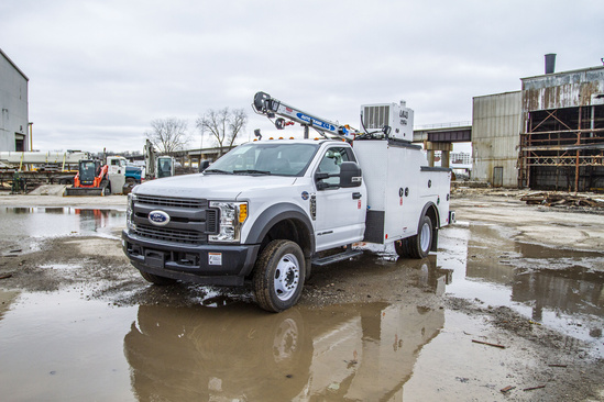 READING MM225 ServiceTruck+Crane on 2017 Ford F550 4x2