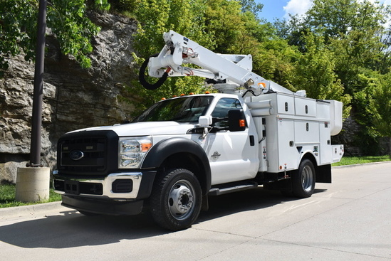 2013 Ford F550 4x4 Altec AT37-G Bucket Truck