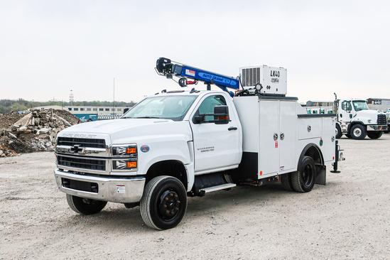 READING MM245 ServiceTruck+Crane on 2019 Chevrolet 5500 4x4