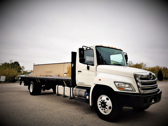 2013 HINO 338 4x2 Flatbed Truck