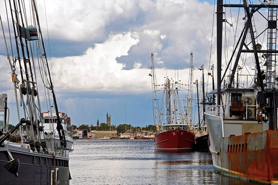 Image of commercial fishing vessels