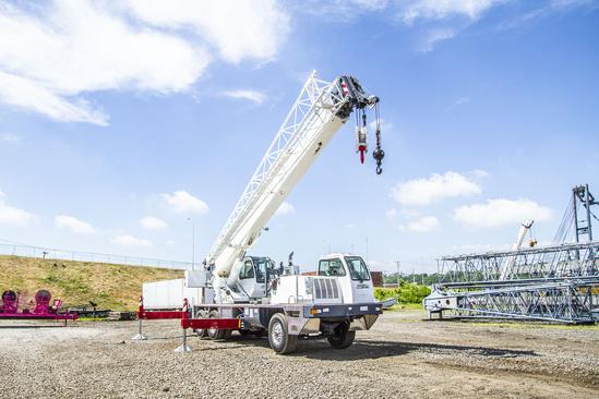 2020 Load King Stinger 340-105 6x4 Truck Crane