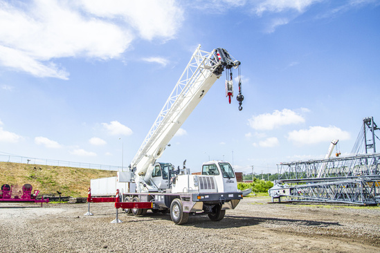 2020 Load King Stinger 340-105 6x4 Truck Crane