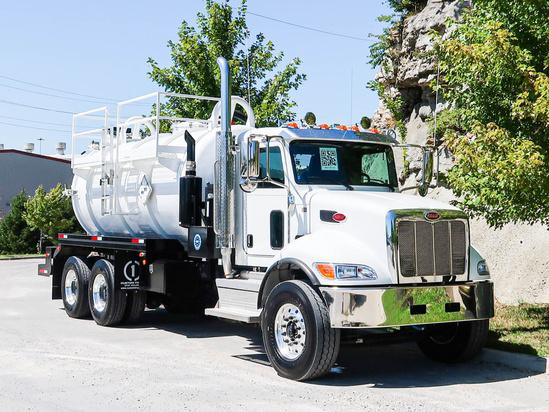 2022 Peterbilt 348 6x4 Global Vacuum Systems 172FT-CTOS Hydrovac Truck