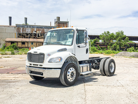 2021 Freightliner M2106 4x2 Cab & Chassis