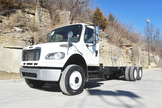 2014 Freightliner M2106 6x4 Cab & Chassis