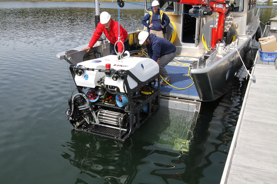 GFOE ROV Yogi being launched for trim tests_Credit_Dave Lovalvo.jpg