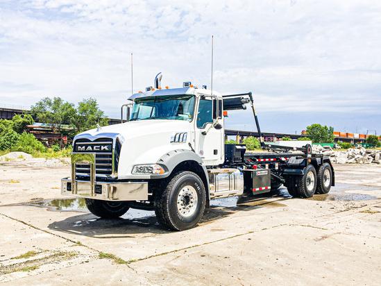 Galbreath U5-EX-174 Roll Off on 2020 Mack GU813/64BR 6x4