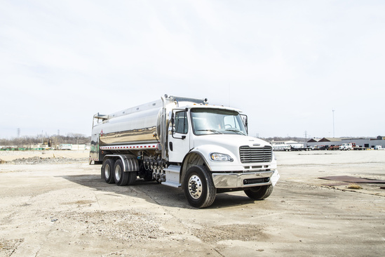 Vantage 4500 BBD Refined Fuel on 2019 Freightliner M2106 6x4