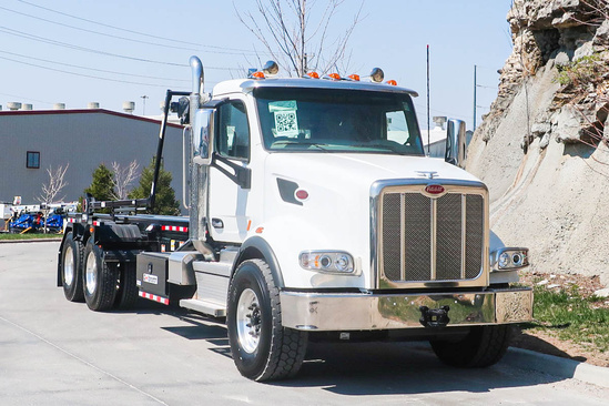 Galbreath U5-OR-174 Roll-Off on 2021 Peterbilt 567 6x4