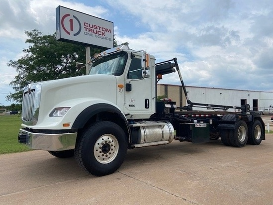 Galbreath U5-OR-174 Roll Off on 2019 International HX620 6x4