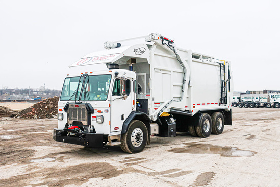 2020 Peterbilt 520 6x4 E-Z Pack Hercules Refuse/Recycling Truck