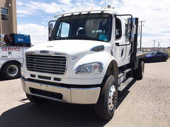 2013 Freightliner M2106 4x4 Flatbed Truck