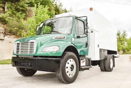 2015 Freightliner M2106 4x2 Chip Truck