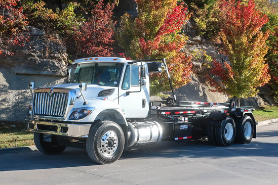 Load King 60K-OR 18/22 Roll Off on 2019 International 7400 6x4