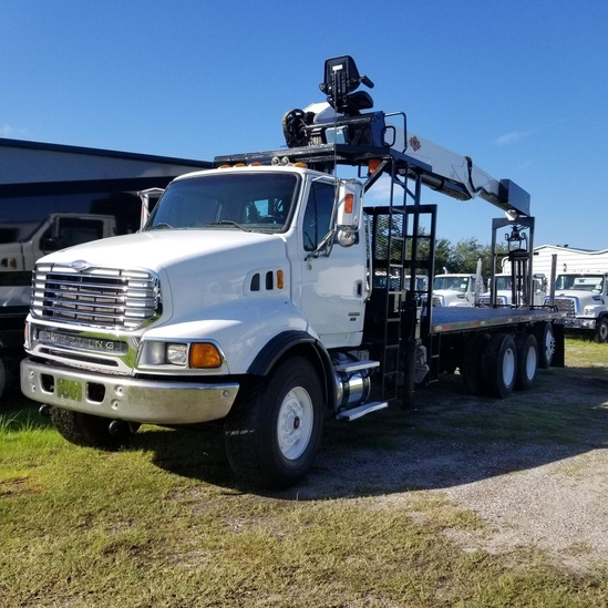 IMT 24562 Drywall Crane on 2006 Sterling LT9513 8x4