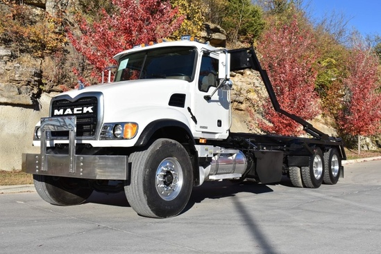 K-Pac Hoist Roll Off on 2005 Mack CV700 6x4