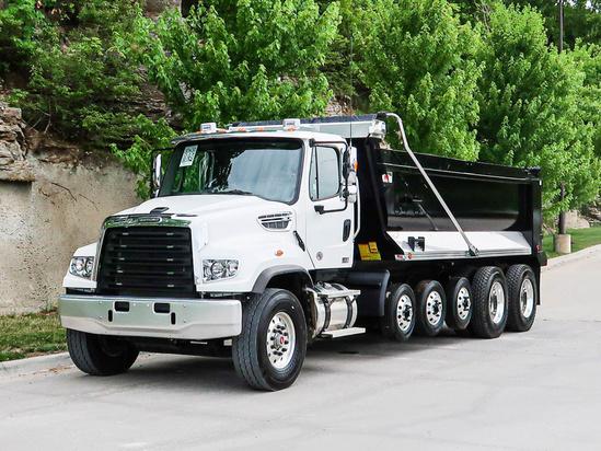 2022 Freightliner 114SD 12x4 OX BODIES 20' Stampede Dump Truck