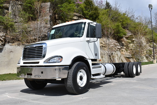 2009 Freightliner Columbia 6x4 Cab & Chassis