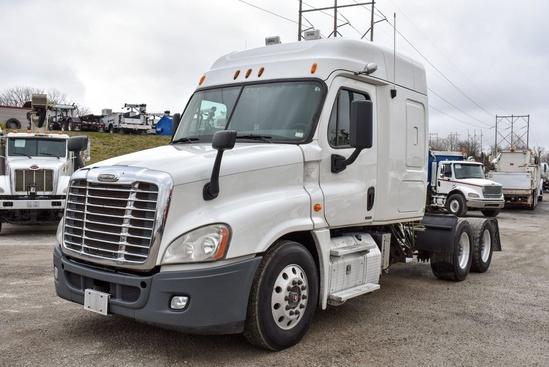 2013 Freightliner Cascadia 6x4 Tractor