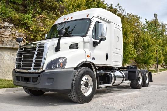 2018 Freightliner Cascadia 6x4 Tractor
