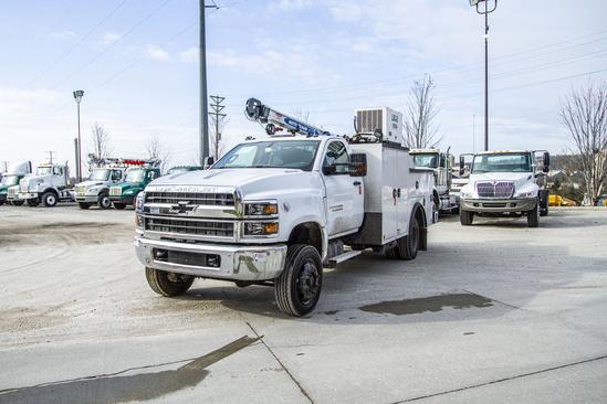 READING MM225+HC5 ServiceTruck+Crane on 2019 Chevrolet 5500 4x4
