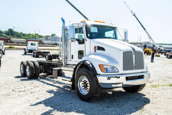 2021 Kenworth T370 6x4 Cab & Chassis