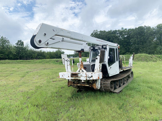 Lift-All LOM10-55-2MS Crawler Carrier on 2008 Camoplast GT1600HY