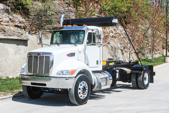 Palfinger T29MT Hook Lift on 2022 Peterbilt 337 4x2