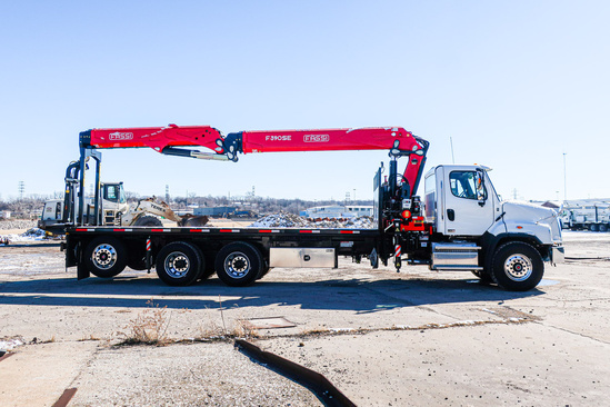FASSI F390SE.24 Drywall Crane on 2020 Freightliner 114SD 8x4