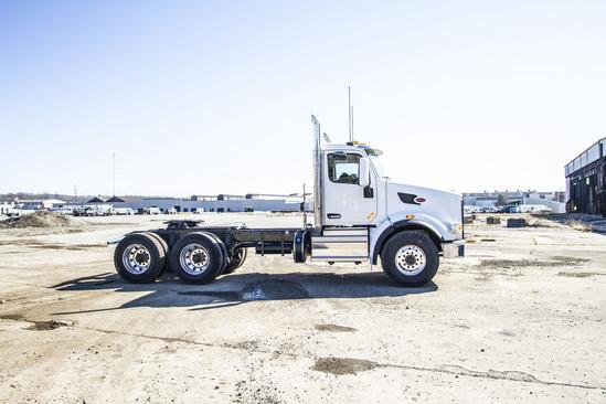 2020 Peterbilt 567 6x4 Tractor