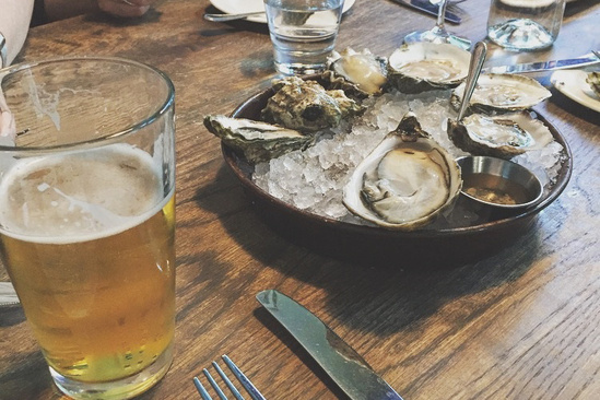 750x500-oysters-at-table.jpg