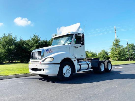 2005 Freightliner Columbia 6x4 Tractor