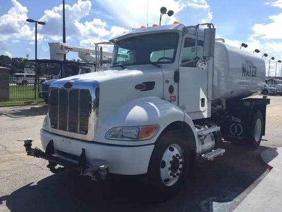 2015 Peterbilt 337 4x2 Curry CW2D Water Truck